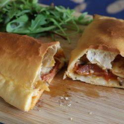 Kapalı Pizza Calzone